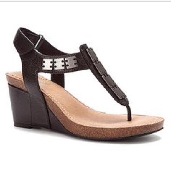 c2c7c91eb4b2 Me Too Soho Kaylen leather upper thong sandal